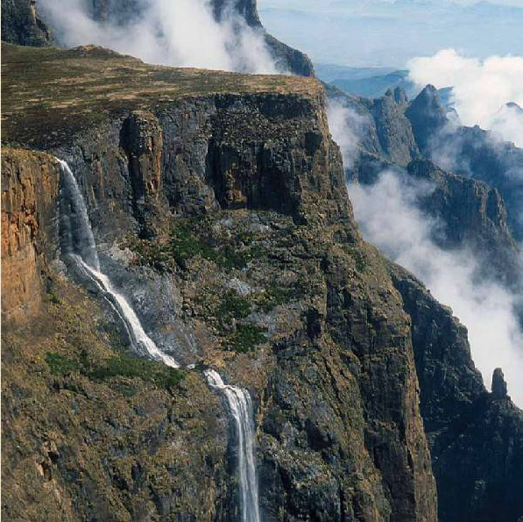 Drakensberg Accommodation Hotels: Tugela Falls